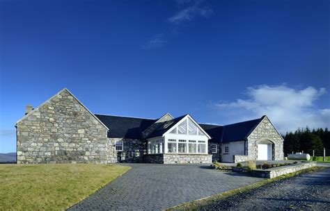 Luxury Lodges with Hot Tubs Near Aviemore Scotland