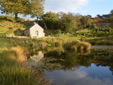Self Catering Farm Cottage with Hot Tub in West Wales