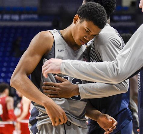 With his teammates struggling, Rasir Bolton stepped up in