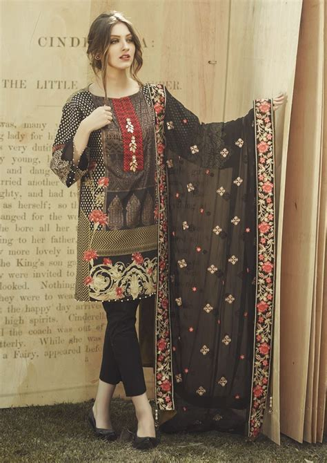 Alkaram Summer Lawn Designs Latest Suits Collection 2020