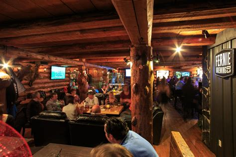 Pubs and Bars in Golden | Tourism Golden, BC, Canada